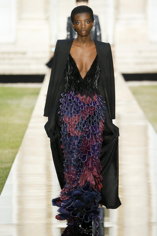 w2000 1 - Лучшие наряды недели моды в Париже 2018. Часть 2. Шик