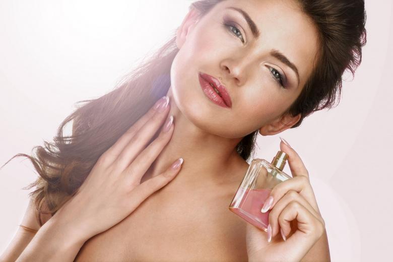 4607 ewqdtdjq - Как правильно пользоваться парфюмом