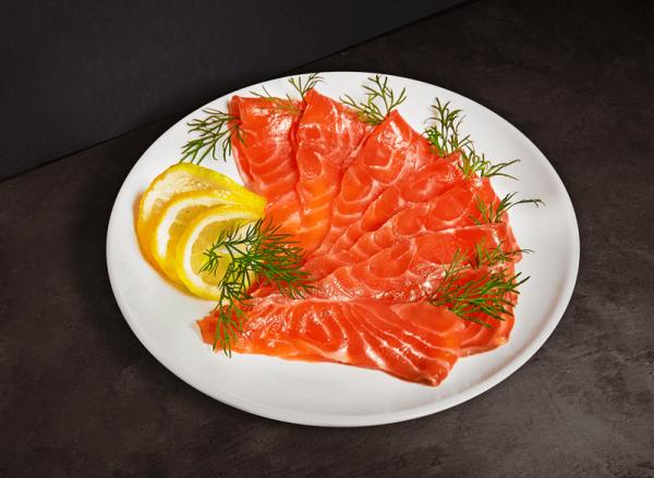 publiccuisine narezka smgi resized 600 6001 - 5 лучших салатов из семги