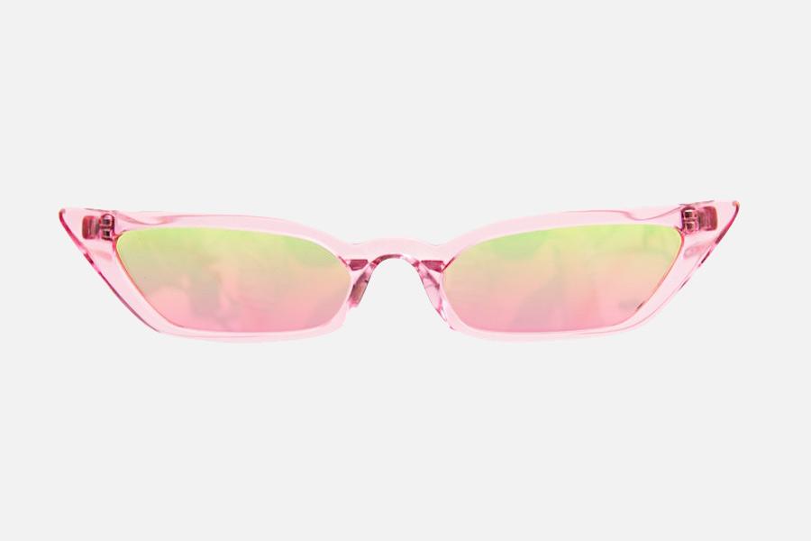 """Кроше, очки из 90-х и блузки на завязках: """"маст хэвы"""" этого лета"""