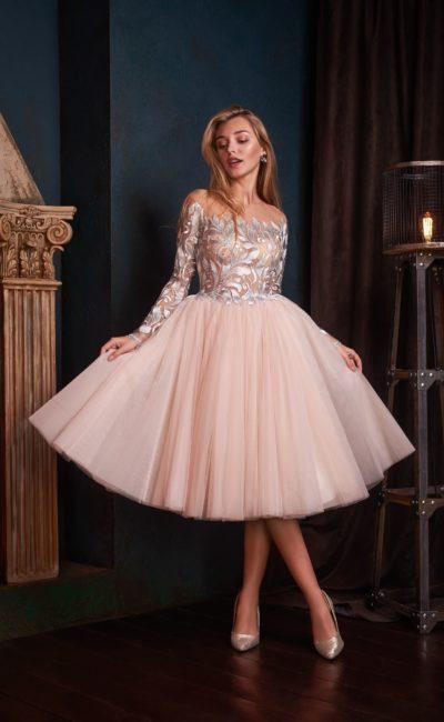 Laita 400x650 - Выбираем платье на выпускной 2019