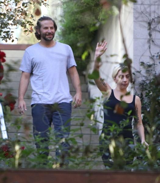 Гага в доме Брэдли Купера