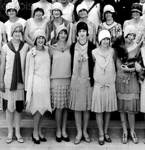 130327173158 - Особенности женской моды в советские времена