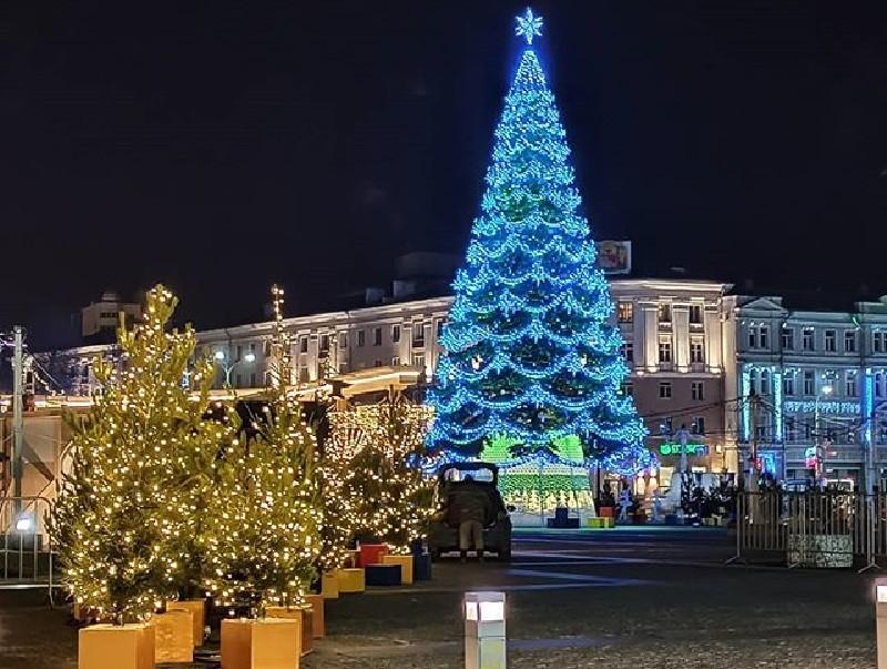 elka voronezh - Самые красивые новогодние елки России и Европы 2020