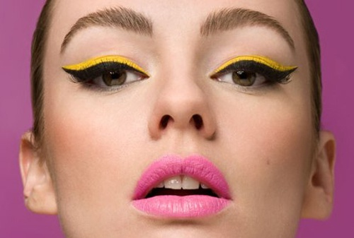 dvuhczvetnye strelki - Актуальные тенденции в макияже весны 2020