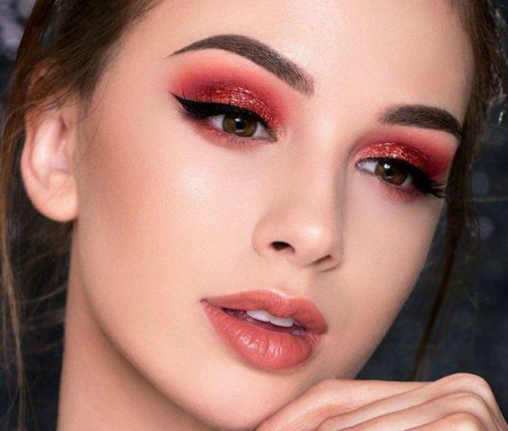krasnye teni 1 1 - Актуальные тенденции в макияже весны 2020