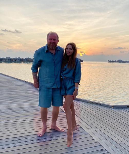 Константин Ивлев с любовницей на Мальдивах