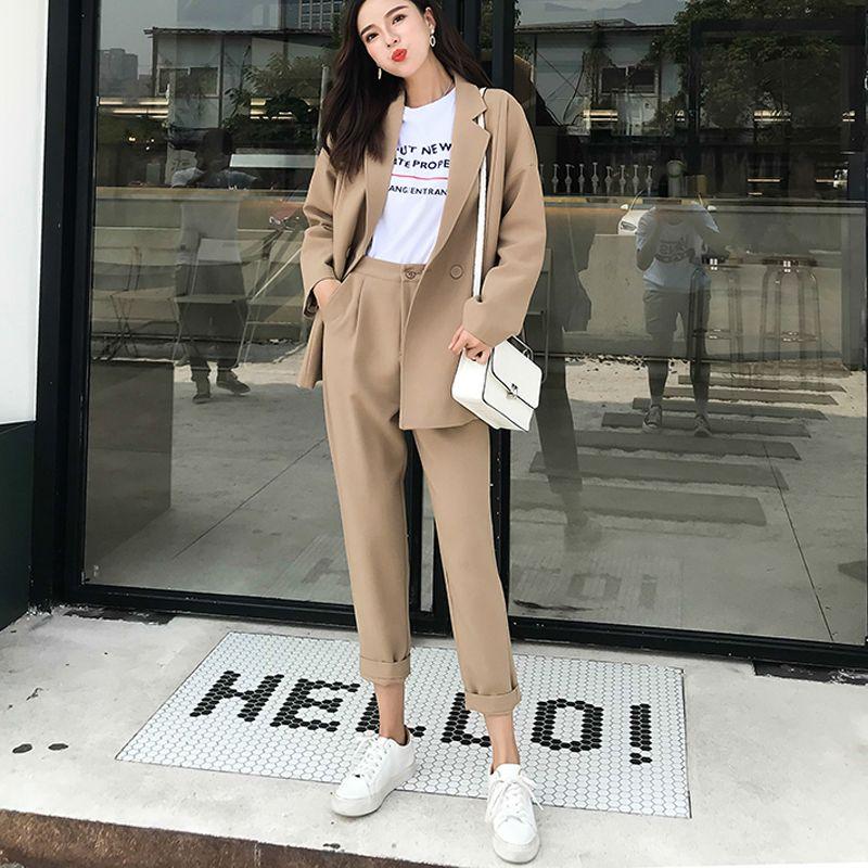 bezhevyj kostyum - Самые стильные брюки для лета 2020