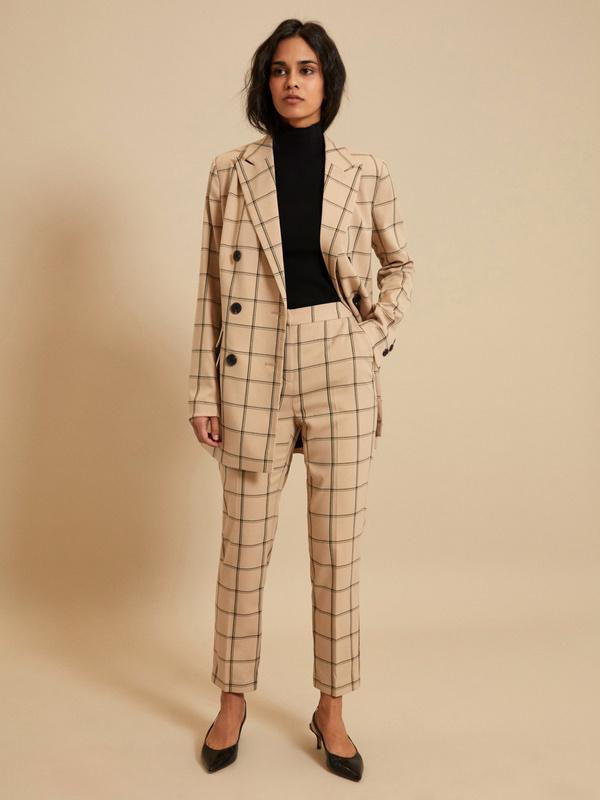 kostyum v kletku - Самые стильные брюки для лета 2020