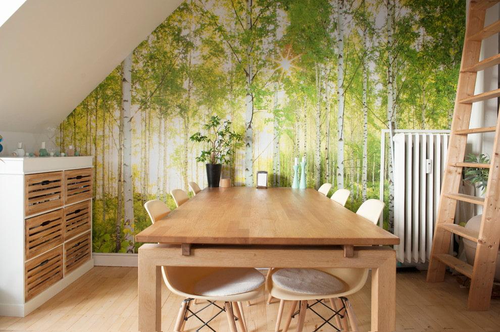 Дизайнер интернет-магазина обоев рассказывает, как расширить маленькую комнату