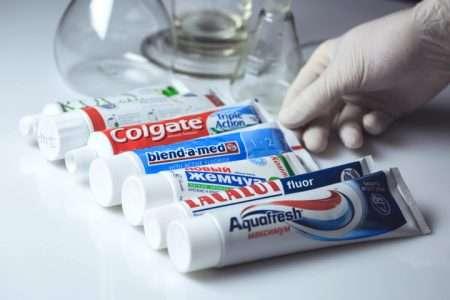 pasta s ftorom - Зубная паста с фтором опасна?