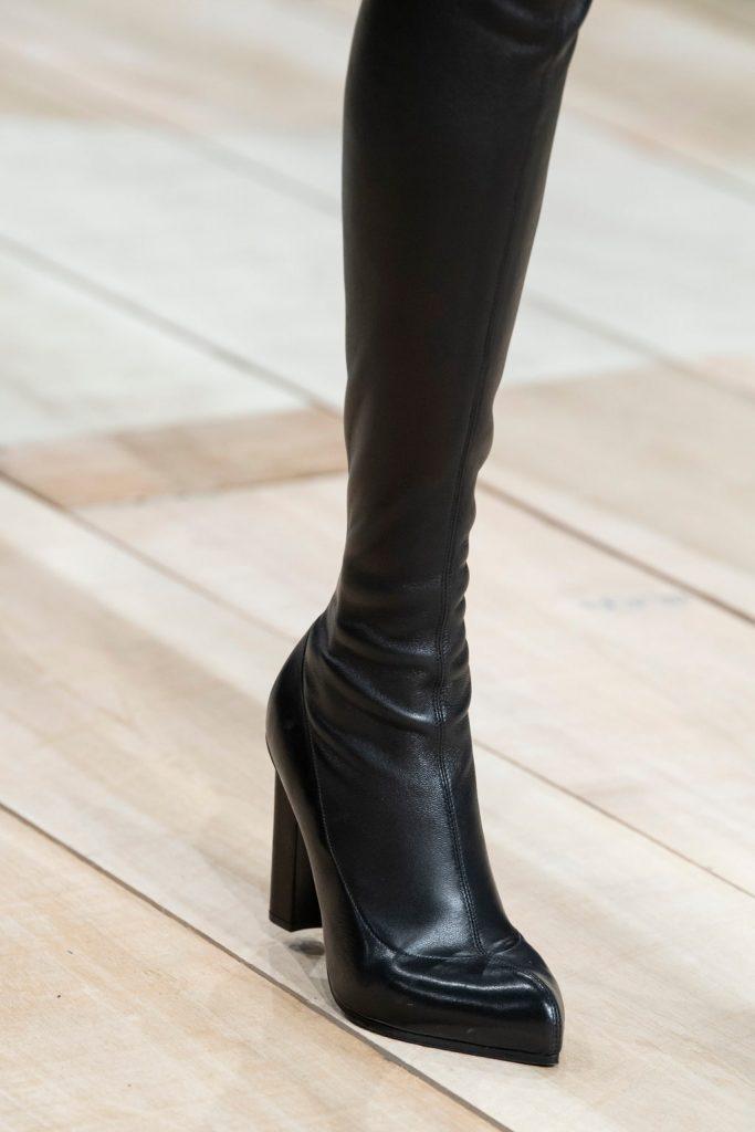 botforty 683x1024 - 6 идей стильной обуви на холодную осень 2020