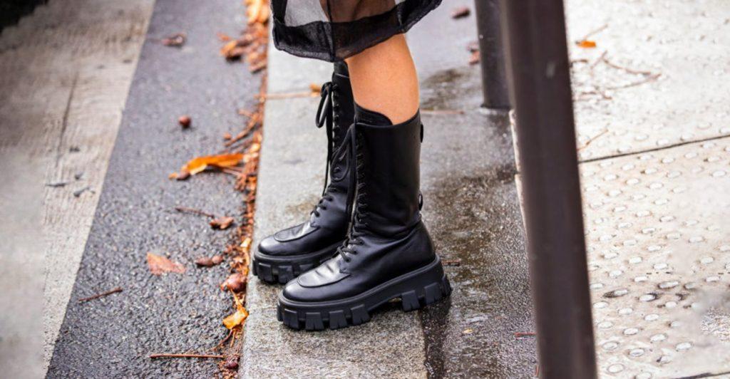 botinki na traktornoj podoshve 1024x532 - 6 идей стильной обуви на холодную осень 2020
