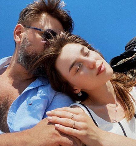 Логинов с женой