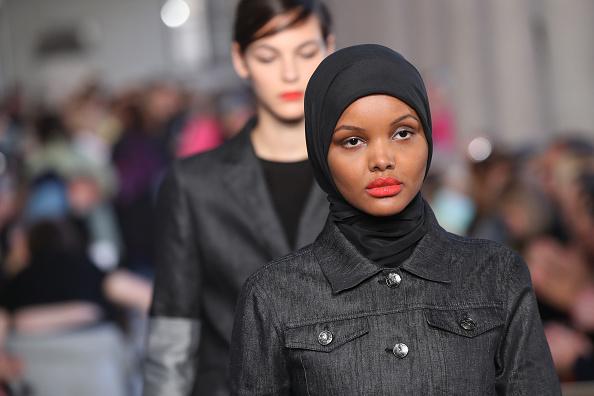 """Первая исламская модель ушла из фэшн-индустрии, потому что мода """"несовместима"""" с религией"""