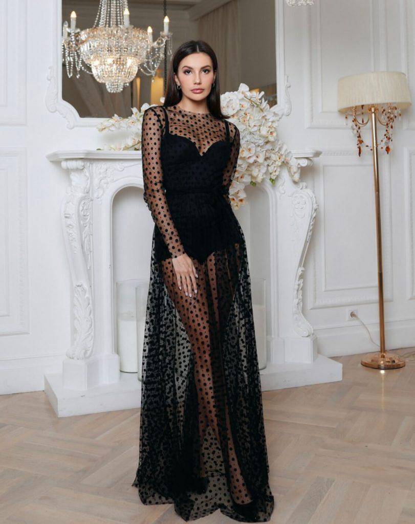 plate na novyj god 811x1024 - Как сэкономить на новогоднем платье? Взять его в аренду!