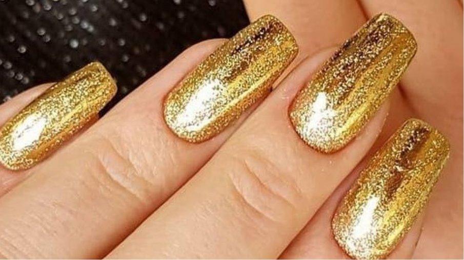 золотые ногти 2021