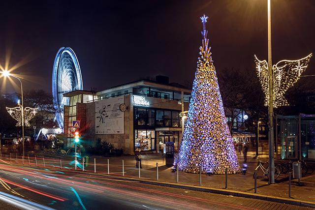 budapesht - Самые красивые в мире новогодние елки 2021