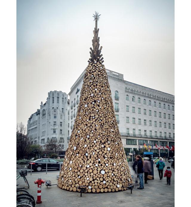 elka2 - Самые красивые в мире новогодние елки 2021