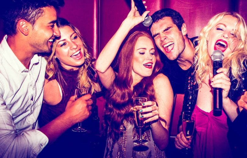 karaoke1 - Почему в России так любят караоке
