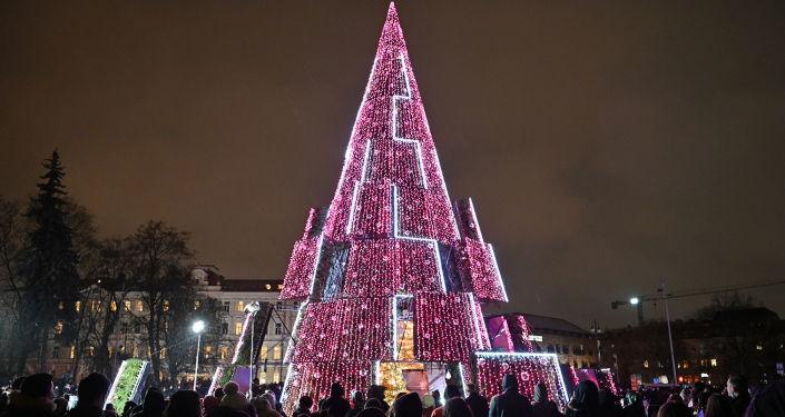 litva1 - Самые красивые в мире новогодние елки 2021