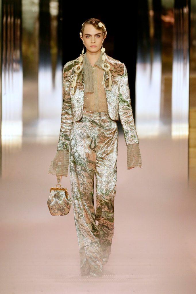 Fendi 4 682x1024 - Итоги Недели кутюрной моды в Париже: размышления о пандемии, загрязнении океана и гендерном равенстве