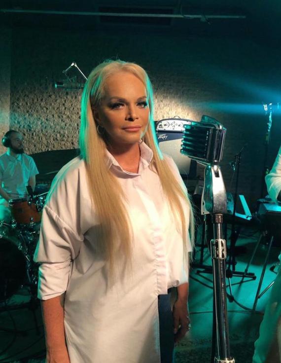 Dolina2 - Роскошные образы 65-летней Ларисы Долиной: как сейчас выглядит певица