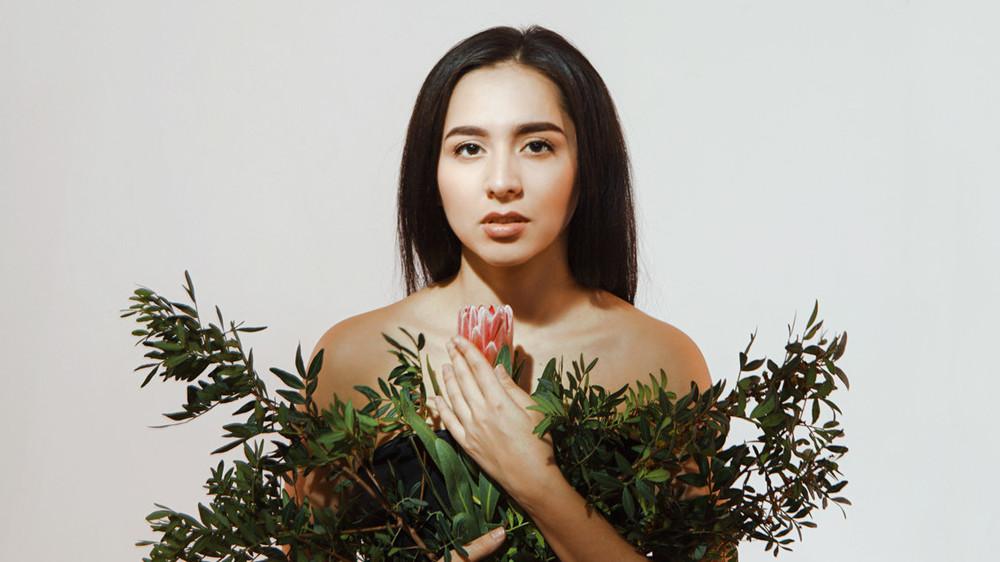 Кто такая Манижа и какую песню она представит на Евровидении 2021 от России