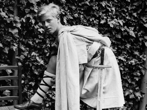 Filipp1 - Ушел из жизни 99-летний принц Филипп - муж Елизаветы II. Смотрим фото принца в молодости