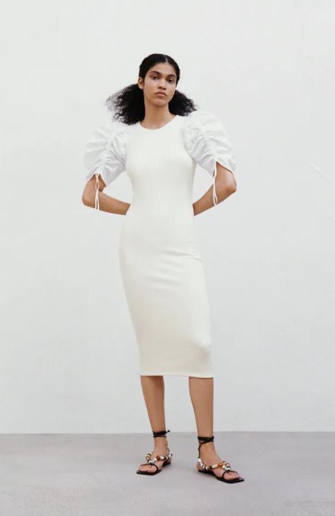 Белое платье с рукавами-фонарями