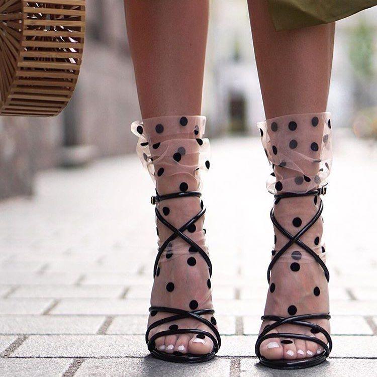 Сочетание носков и босоножек