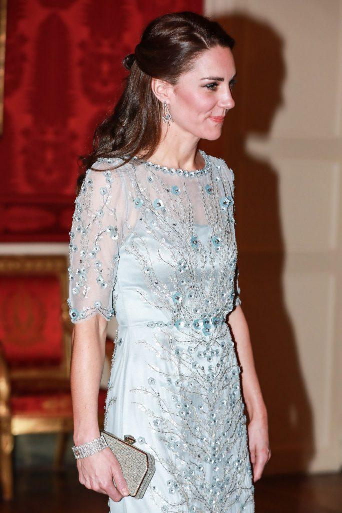 sergi lyustry 683x1024 - Самые красивые украшения Кейт Миддлтон