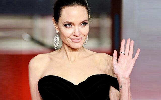 Джоли в Инстаграм