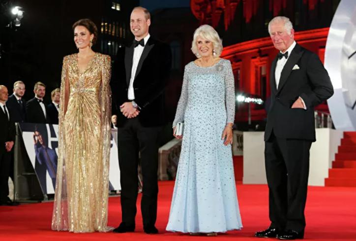 Королевские особы на премьере нового Бонда